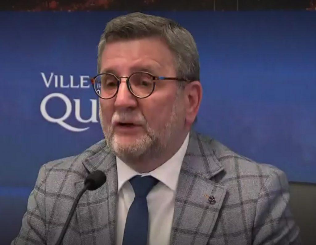 Régis Labeaume au point de presse annonçant son départ de la vie politique